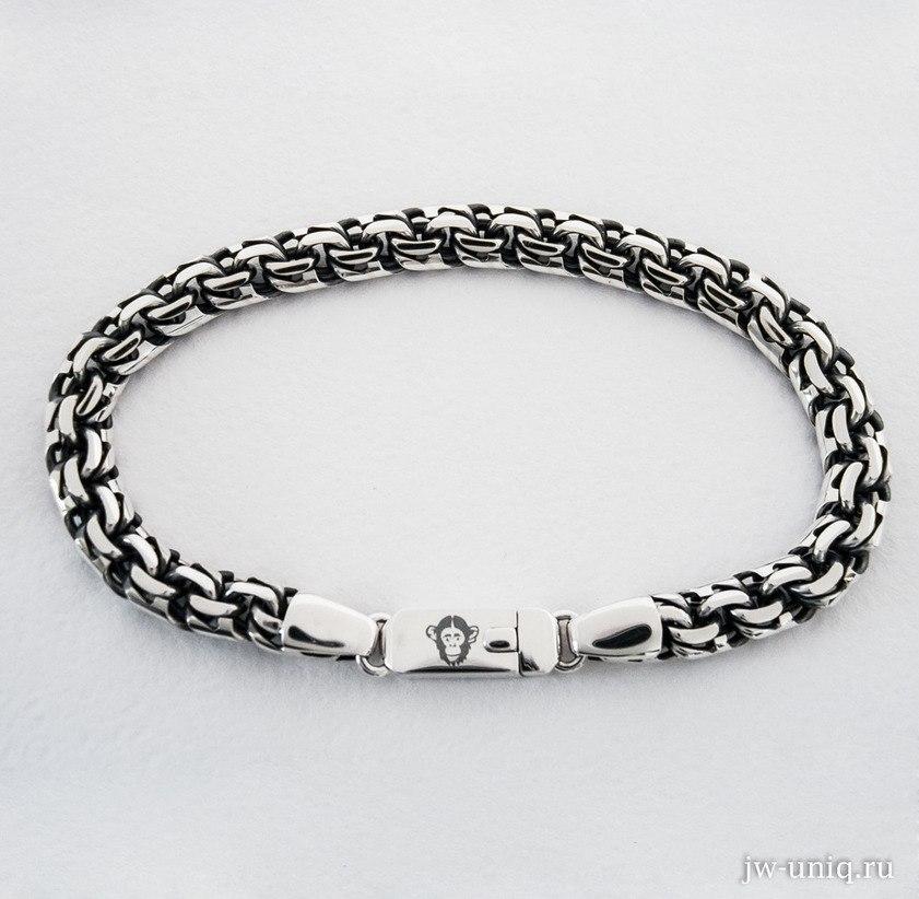 Гравировка на замке серебряного браслета, обезьяна